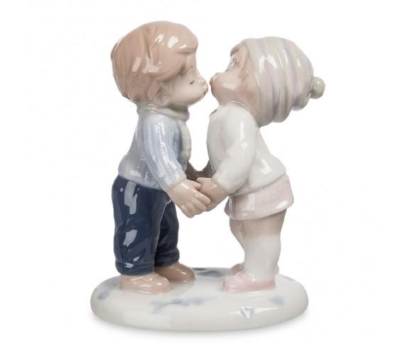 Фигурка ''Первый поцелуй'' (Pavone)