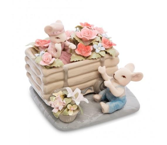 Статуэтка ''Пара мышат в цветах''