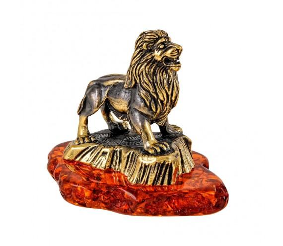 Лев на скале