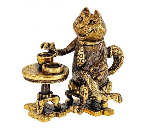Кот с чашечкой кофе без подставки