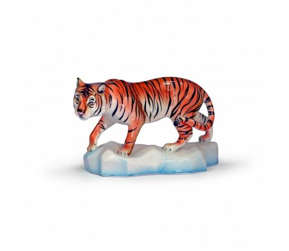 Тигр Амур подгл рос000527