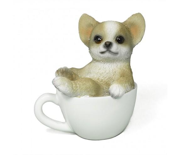 Щенок Чихуахуа в чашке