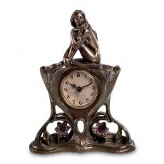 Часы ''Обнаженная девушка''