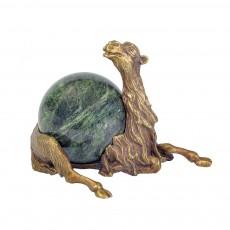 Верблюд (лежит)